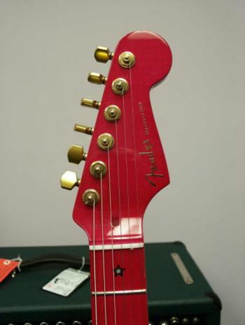 dream-strat-headstock
